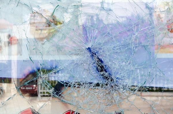 porte fenêtre vitrée cassée